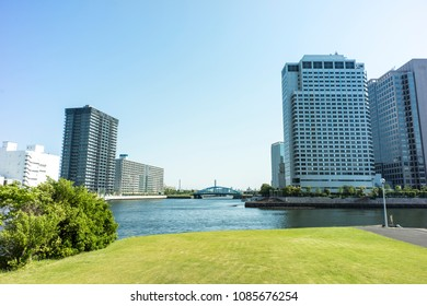 High-rise Apartment Building on the canal side    SHINAGAWA TOKYO