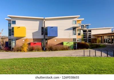 Highschool building and bench in Wilsonville Oregon.