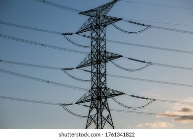 High-voltage multi-level electric pole, electricity transmission