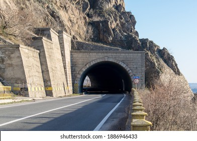 The highway that crosses the mountains. Road tunnel
