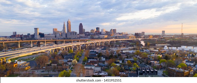 Highway Through Cleveland Ohio Cuyahoga County Seat North America