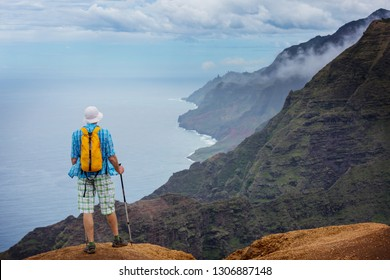 Hike in Na Pali coast in Kauai icland, Hawaii