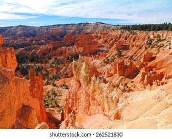 hiking the queen's garden trail  in bryce canyon national park, utah