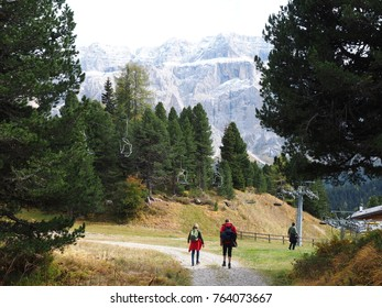 hiking in the sella group, italy