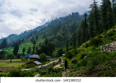 Hiking through the remote village of Grahan, Himachal Pradesh. It is indeed a hidden gem amongst the many villages and hamlets tucked away in the hills of Parvati Valley