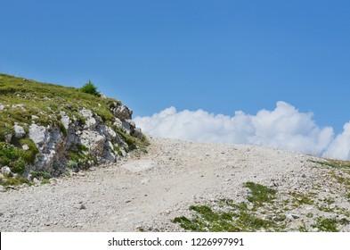 hiking trail, Gailtal Alps,  the mountain Dobratsch, Carinthia, Austria