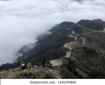 Hiking Trail of Sandakphu Trek