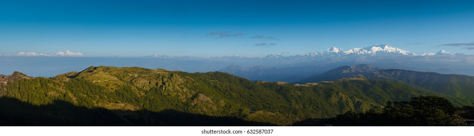 Himalayan range including Everest, Kanchenjunga seen from Sandakphu, Darjeeling, India