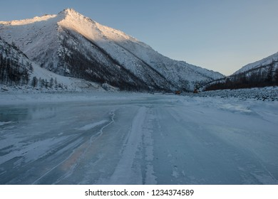 A hinder is a road, the operation of which is possible only in winter conditions, with sub-zero temperatures. Republic of Sakha / Yakutia /, Russia.