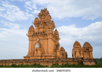 Hindu tower-temples is one of the significant historical and religious relics of the Champa Kingdom, the ancient Hindu kingdom. Original in Myson (a UNESCO World Heritage site in Vietnam).