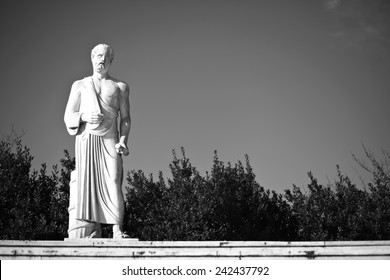 hippocrates statue, black and white