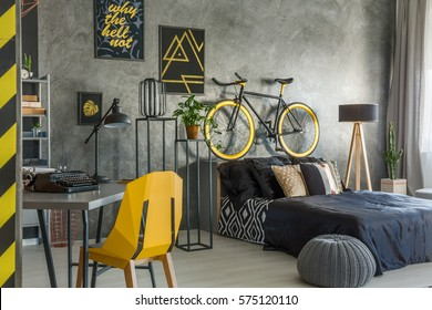 Hipster flat in grey with office and bedroom combined