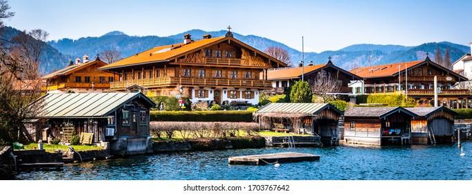 maisons bavaroises historiques dans la vieille ville de Rottach-Egern, Tegernsee