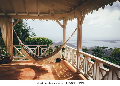 Historic Caribbean house - Chilled Hammock on a balcony with view on the Caribbean sea - Saint Martin