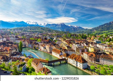 Historic city center of Lucerne with famous Chapel Bridge and lake Lucerne (Vierwaldstattersee), Canton of Luzern, Switzerland