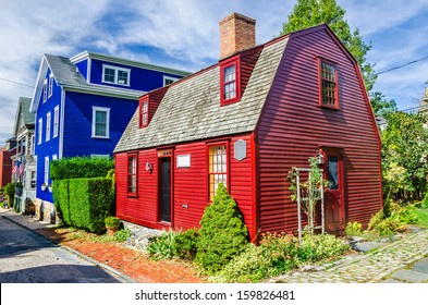 Historic Colourful Wooden House in Newport, Rhode Island