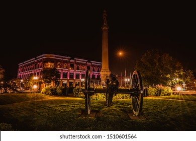 Historic downtown Franklin Tennessee at night