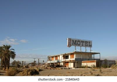 Historic motel on the north shore of the Salton Sea before demolition