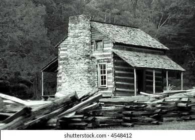 Historic pioneer Log Cabin in the Great Smoky Mountains National Park