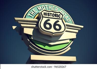 Historic Route 66 sign in the state of California, USA, Historisches Route 66 Schild im Bundesstaat Kalifornien, USA