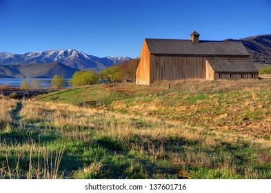 Historic Tate Barn at Sunrise - Heber - Utah