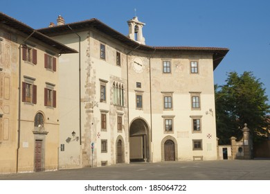 Historical building on piazza dei Cavalieri (Knights� Square) in Pisa, Italy