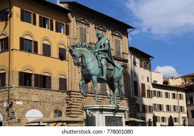 Historical equestrian statue of Cosimo I de Medici from 1598 on the Piazza della Singoria in Florence, Italy