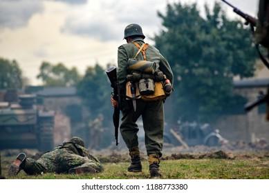 Wwii British Soldier Images, Stock Photos & Vectors