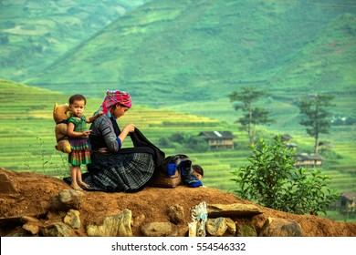 Hmong in Vietnam Mothers and daughter