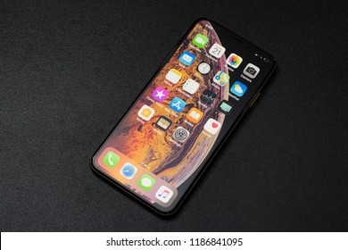 Ho Chi Minh city / Vietnam - Sep 22th 2018: Review iPhone XS Max
