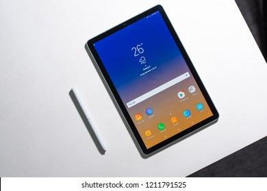 Ho Chi Minh city / Vietnam - Oct 25th 2018: Review Samsung galaxy Tab S4