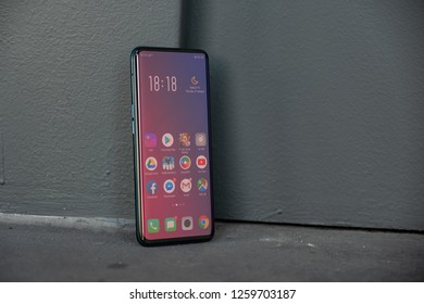 Ho Chi Minh city / Vietnam - Dec 12th 2018: Review OPPO Find X