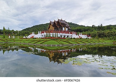 Ho Kham Luang Chiang Mai Royal Flora Ratchaphruek, Thailand and other public places. This is a place where tourists come to nationalism.