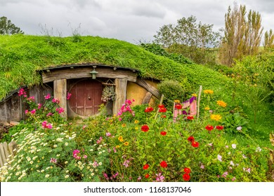 Hobbiton Hobbit House Holes in Matamata, New Zealand