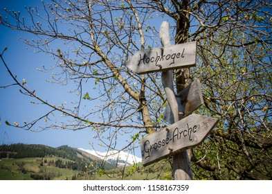 Hochkogel and Grosse-Arche road tables in Austria, walks in the mountains, road signs