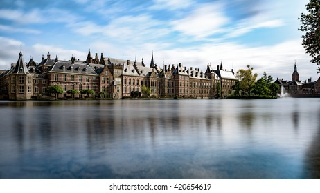 The Hofvijver lake and the Dutch parliament in Den Haag