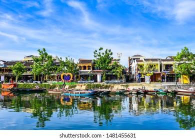 Backpacking+vietnam Images, Stock Photos & Vectors