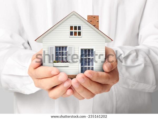 holding house vertegenwoordigen woningbezit en de Real Estate business