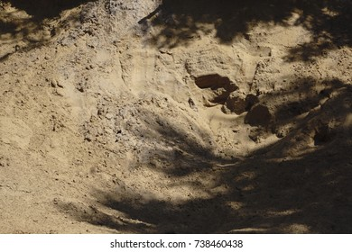 the hole in the sand shadow