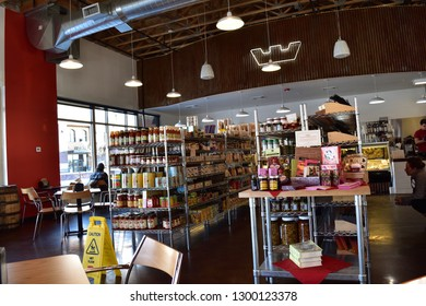 Holliday, Utah / U.S.A. - January 27th 2019: Caputo's Gourmet Food Market & Deli in Holliday centrum