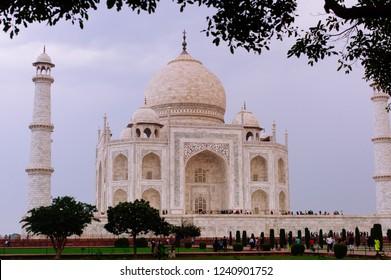 holliday's in india Taj mahal india agra beautifull color