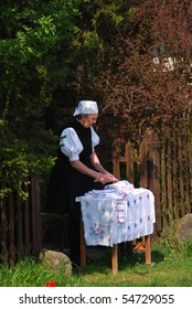 HOLLOKO, HUNGARY - APRIL 12 : Paloc lady participates at the Easter Festival at April 12, 2009 in Holloko, Hungary.