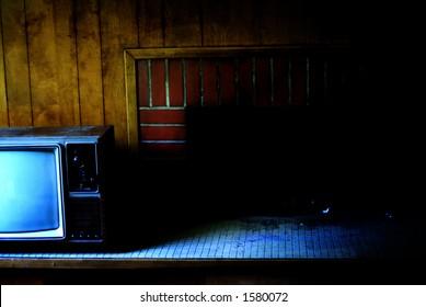 Hollow TV