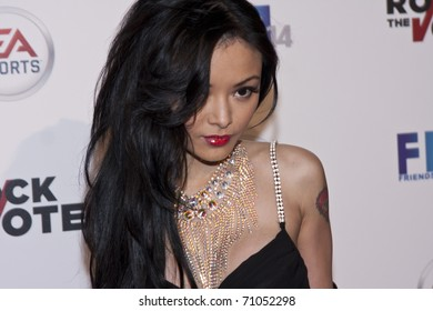 Tila tequila black hairs