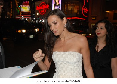 "HOLLYWOOD, CA- FEBRUARY 8: Actress Demi Moore arrives at the world premiere of the movie ""Valentine's Day"" held at The Chinese Theater, February 8, 2010 in Hollywood, CA."