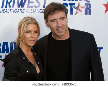 """HOLLYWOOD, CA - OCTOBER 4: Dr. Wendy Walsh (L) & Dr. Garth Fisher (R) attend """"A Night of Honor"""" hosted by The Iraq Star Foundation in honor of Gary Sinise and US wounded soldiers on October 4, 2009 in Hollywood, CA"""