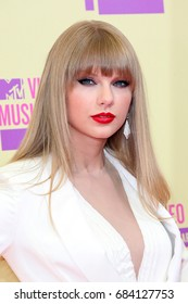 Hollywood, CA, USA; September 6, 2012; Taylor Swift arrives to the 2012 MTV Video Music Awards at Staples Center in Los Angeles, California.