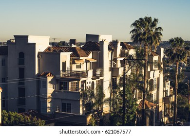 Hollywood Housing / CA