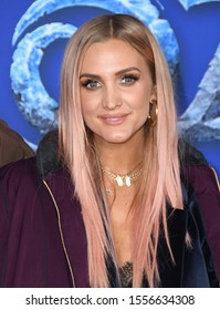 "Hollywood- NOV 07:  Ashlee Simpson arrives for Disney's ""Frozen 2"" Los Angeles Premiere on November 07, 2019 in Hollywood, CA"