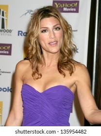 Jennifer Esposito Nude